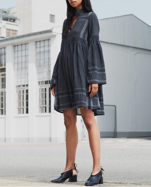 Pileli İspanyol Kol Elbise